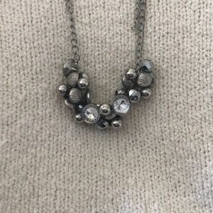Jewelry - Silver gem necklace
